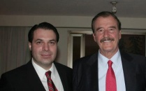 Vicente Fox, Expresidente de la República (2000-2006) y Efraín Martínez, Consultor Político.
